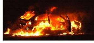 Véhicule en feu (photo DR)