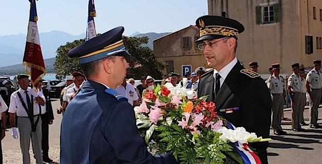 Etaient présents le maire de Calvi Ange Santini, le colonel Jean de Monicault, chef de corps du 2e REP; 10112764-16464569