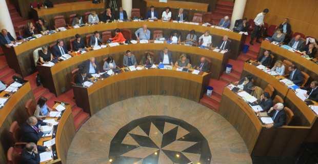 Transports maritimes et collectivité unique : Le même menu de rentrée pour l' Assemblée de Corse