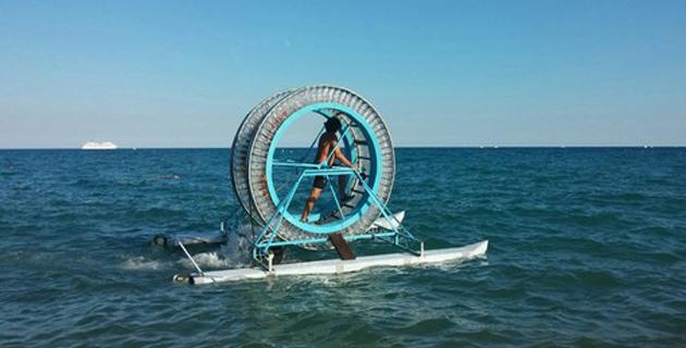 « Cammino » pour marcher sur… l'eau entre l'Italie à la Corse