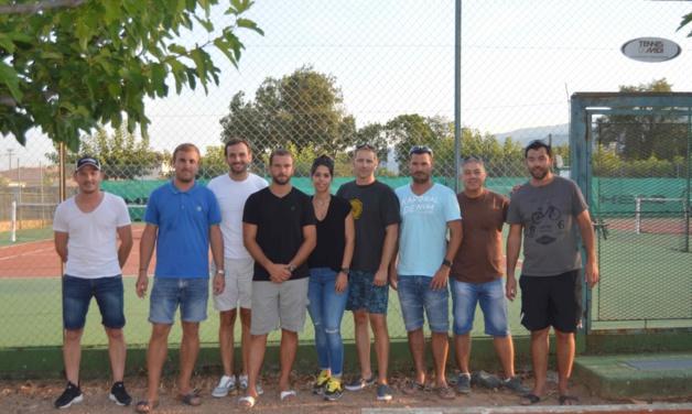 Les membres du bureau exécutif du Fium'Orbu tennis club.