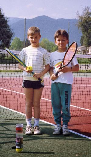 Yann Coeffe à gauche et Adrien Angeli, de jeunes adhérents du club devenus aujourd'hui dirigeants.