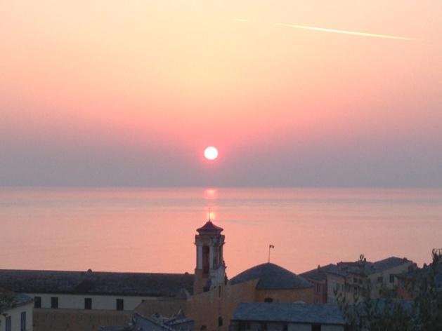 Bastia : Soleil levant sur le clocheton du Palais des Gouverneurs