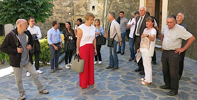 Corinne Champier (ADECEC) fait une visite en immersion de Cervioni en présence de Saveriu Luciani, Conseiller exécutif délégué à la langue corse