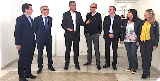 Jean Leccia, Directeur de l'Association Emaho et de la Corsican Tech entouré du maire de Bastia, Pierre Savelli et du président de l'ADEC, Jean-Christophe Angelini