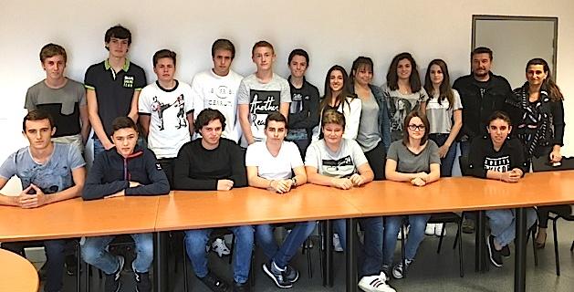 Dix huit élèves des classes de première du lycée de la plaine ont débuté leur préparation au BIA.