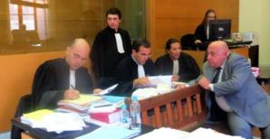François Colonna avec Me Marc Mondoloni, Me Stéphane Nessa et Me Cynthia Costa-Sigrist.