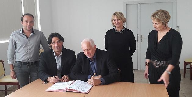Développement et coopération : Un accord-cadre entre l'OEHC et l'AFPA