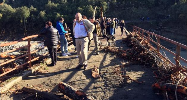 Après la tempête Jean-Félix Acquaviva et Hyacinthe Vanni et les élus départementaux en centre-Corse