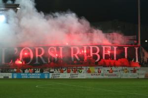 """Derby GFCA-ACA : L'ACA exclut le groupe de supporters des """"Orsi Ribelli"""""""