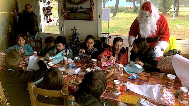 Donner de la gentillesse, de l'attention à tous les enfants, c'est la préoccupation du Père Noël