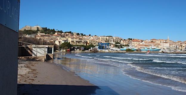 La tramontane s'invite à la réunion technique sur l'avenir de la plage de Calvi