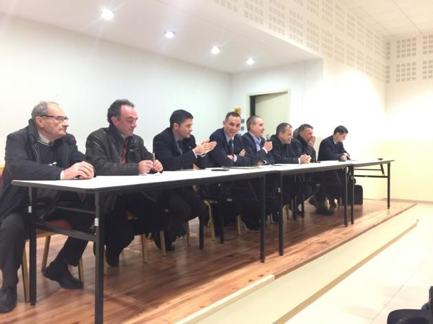 Les agriculteurs soutenus par Jean-Felix Acquaviva, Gilles Simeoni, Jean-Guy Talamoni et François Sargentini