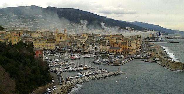 Bastia : Fumées nocives sur la ville