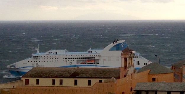 Intempéries : A l'entrée du port de Bastia aussi