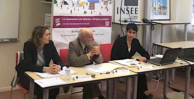 De gauche à droite: Magali Bonnefont chef du service Etudes et Diffusion. Alain Tempier directeur régional et Aude Genovese Bolleyn chef du service statistiques.