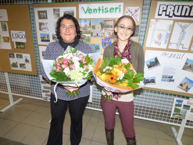 A gauche Karine Antony professeur d'anglais, à droite Cheyenne Reed assistante linguistique.