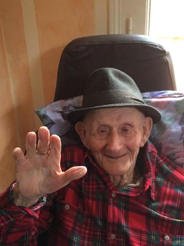 Francois Santelli, doyen de Zilia, à fêté son 103ème anniversaire!
