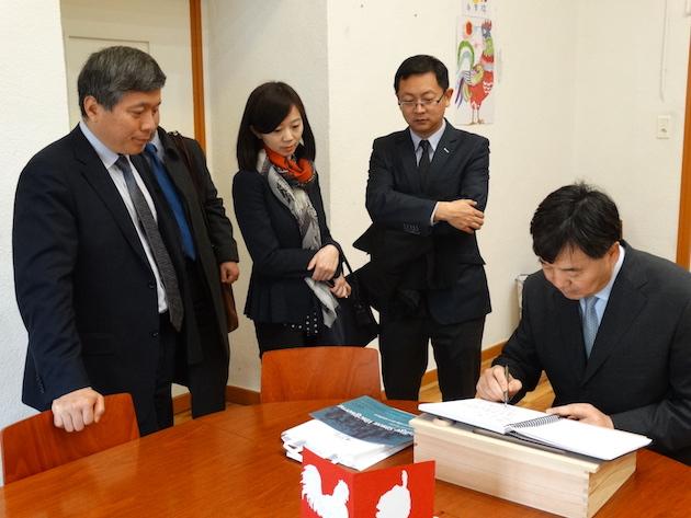 « Je félicite la section d'enseignement de chinois au collège Simon-Vinciguerra pour les résultats extraordinaires qu'elle a obtenu » a écrit  Zhai Jun, ambassadeur de Chine