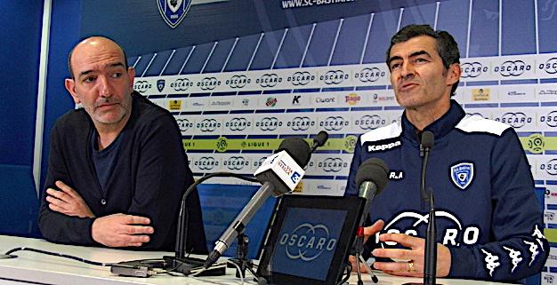 Le président du SCB, Pierre-Marie Geronimi et le nouvel entraineur du SCB, Rui Almeida