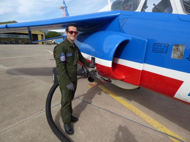 Dès le retour de vol, les avions sont refuelés pour l'entrainement de l'après midi.