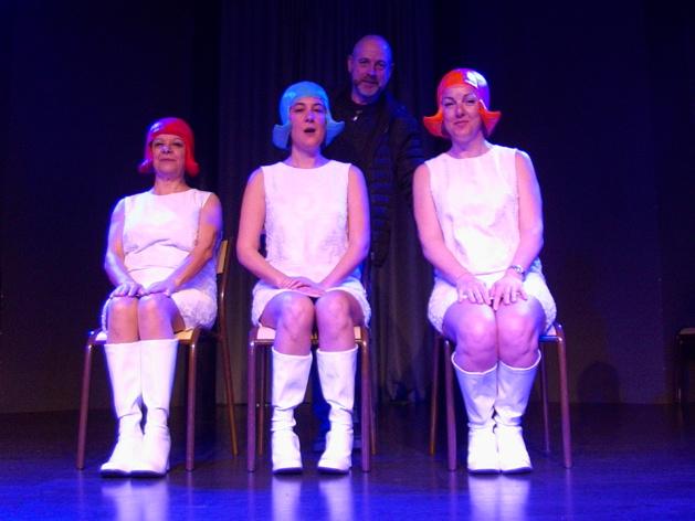 Joseph Massei et ses trois comédiennes