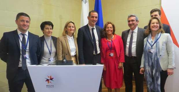Gilles Simeoni et son Conseil exécutif.