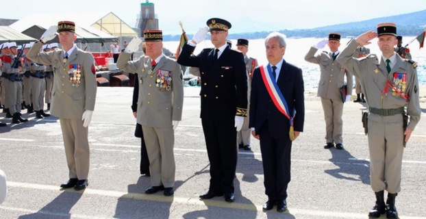 Prise d'armes et défilé en ville pour le cinquantenaire de l'arrivée du 2e REP à Calvi