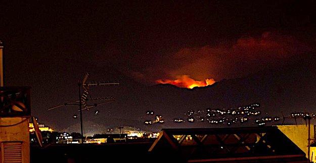 Cinq pompiers blessés dans un feu de maquis — Corse