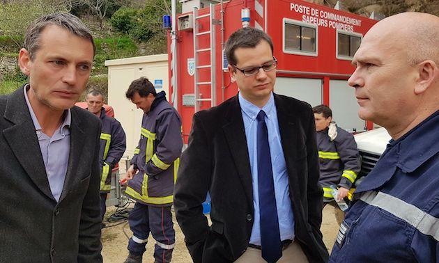 """Charles Voglimacci (à gauche) président du SDIS va déposer plainte pour """"atteinte aux personnes et destruction de matériel."""" (SDIS2A)"""
