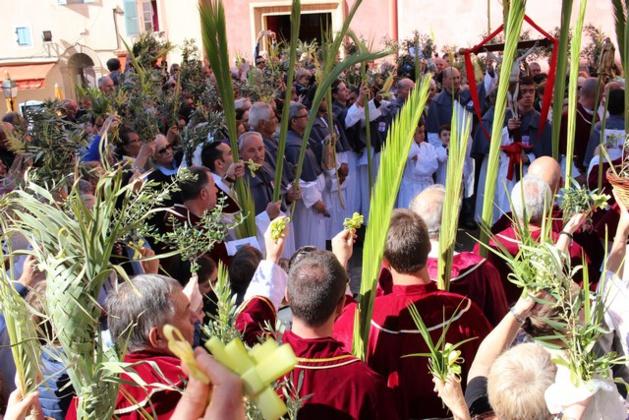Une foule immense à Calvi pour la bénédiction des Rameaux