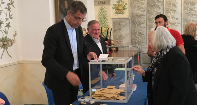 30% des inscrits avaient voté à 11h30 au bureau centralisateur de Bastia