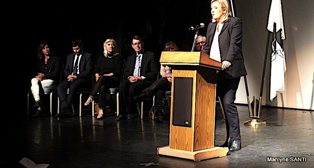 Marine Le Pen en meeting à Ajaccio.
