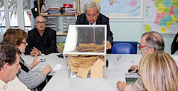 A Calvi, Marine Le Pen devance Emmanuel Macron de 61 voix