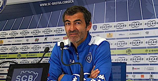 L'entraîneur du SCB Rui Almeida