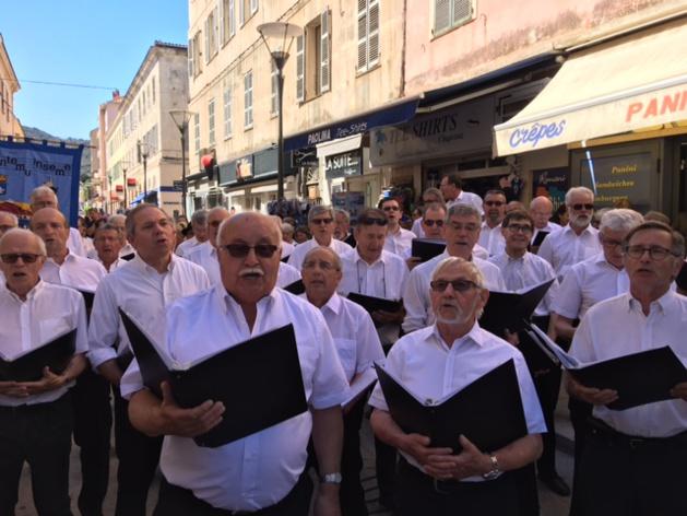 Parade  à L'Ile-Rousse pour Coralisula 2017