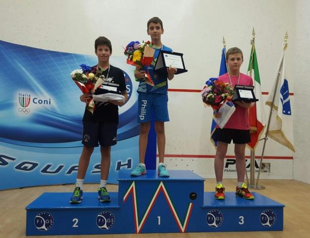Antonin Romieu (Ile-Rousse) sur la 2e marche du podium à l'Open international de squash d'Italie