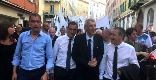 Les leaders nationalistes fêtent la victoire à Bastia.