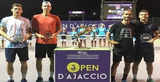 Les demi-finaliste du double Finalistes : BARRY / KOBELT Vainqueurs : KANAR / JANKOVITS