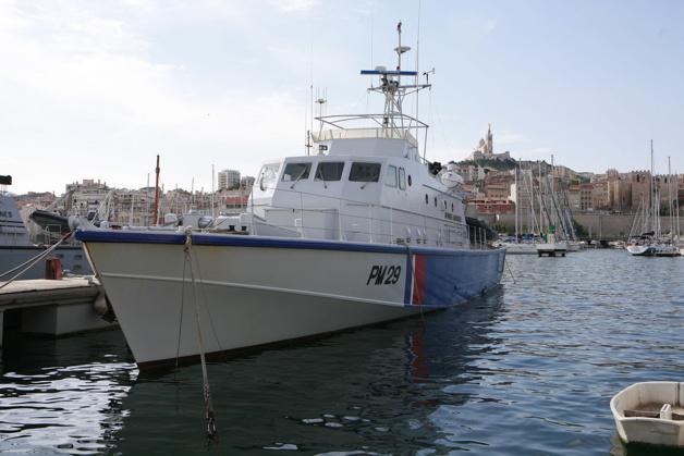 La vedette régionale de surveillance « Mauve » dans les eaux autour de la Corse