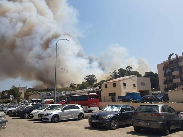 Ajaccio : Un pétard jeté dans un buisson déclenche un incendie au milieu des habitations