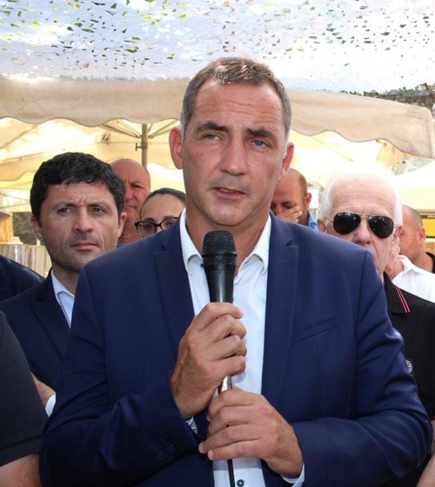 Gilles Simeoni, président du Conseil exécutif de la Collectivité territoriale de Corse (CTC), samedi matin à a fiera di l'amandulu in Aregnu.