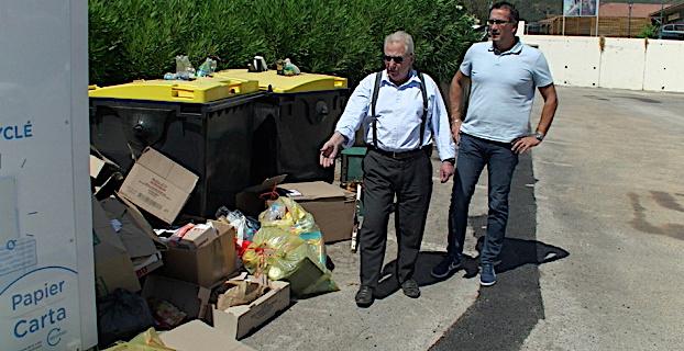 Le maire de Furiani, Michel Simonpietri et son 1er adjoint, Louis Pozzo di Borgo, ne peuvent que constater les dégâts !
