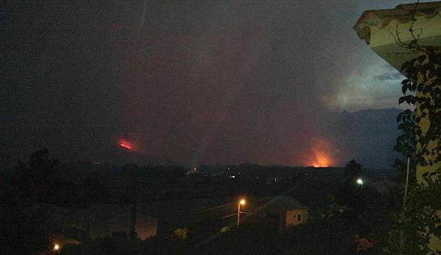 Les flammes dévastatrices déferlent sur la côte Est du Cap Corse !