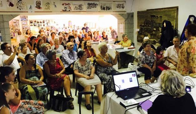 Conférence animée par Dumè Colonna sur les femmes dans les rituels magico-religieux.