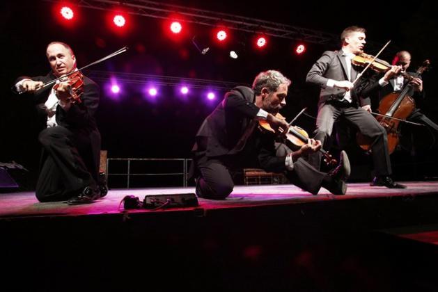 Un triomphe au Domaine Orsini de Calenzana pour le groupe humoristique PaGAGnini