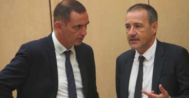 Gilles Simeoni, président du Conseil exécutif de la Collectivité territoriale de Corse et leader des nationalistes modérés de Femu a Corsica, et Jean-Guy Talamoni, président de l'Assemblée de Corse et leader du parti Indépendantiste Corsica Libera.