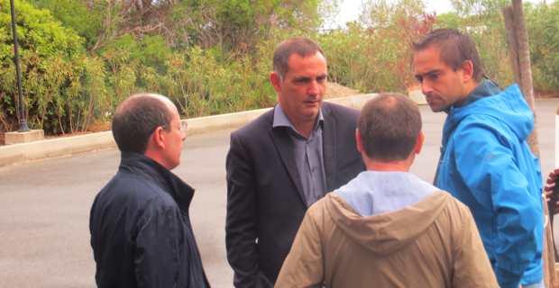 Rencontre informelle à Centuri entre Gilles Simeoni, Jean-Baptiste Arena, Hyacinthe Vanni et Paul-Félix Benedetti.