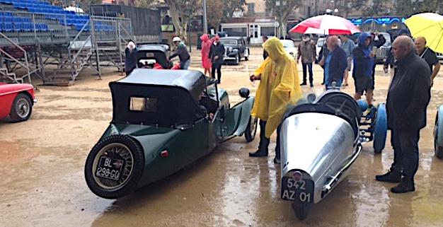 Une étape pluvieuse à Lisula pour les membres de l'Amicale tricyclécariste de France