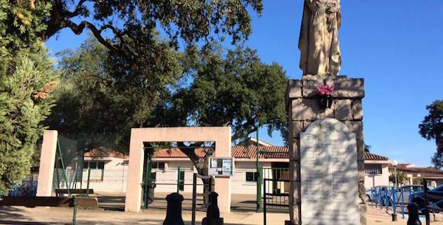 A scola di a Trinita di Portivechju in mossa versu l'andatura Zeru Frazu è u bilinguissimu